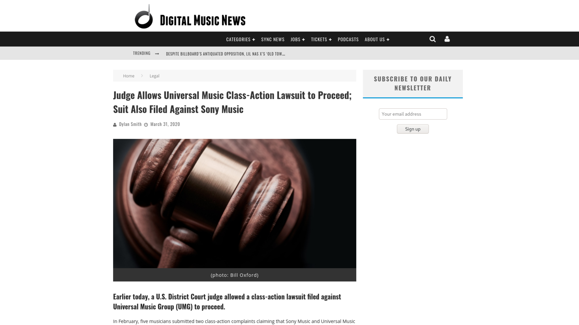 Fairness Rocks News Judge Allows Universal Music Class-Action Lawsuit to Proceed; Suit Also Filed Against Sony Music